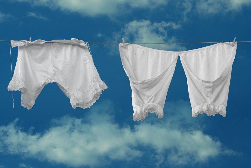 Was die Unterwäsche, die beim ersten Date getragen wird verrät