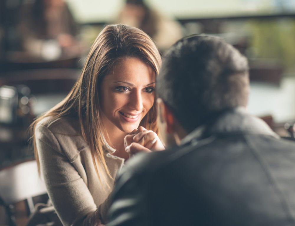 Was frauen beim flirten gefallt