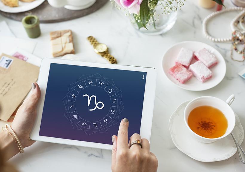 Steinbock Horoskopzeichen auf Tablet